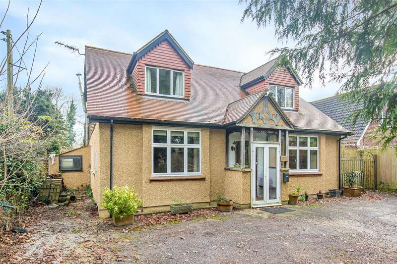 4 Bedrooms Detached House for sale in Ricketts Hill Road, Tatsfield, Westerham