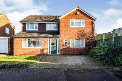 4 Bedrooms Detached House for sale in Crossfell Road, Hemel Hempstead, Hertfordshire