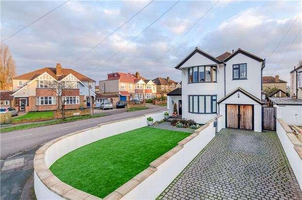 4 Bedrooms Detached House for sale in Ruskin Drive, WORCESTER PARK, Surrey, KT4 8LH