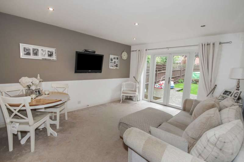 2 Bedrooms End Of Terrace House for sale in Montpelier Close, Billericay