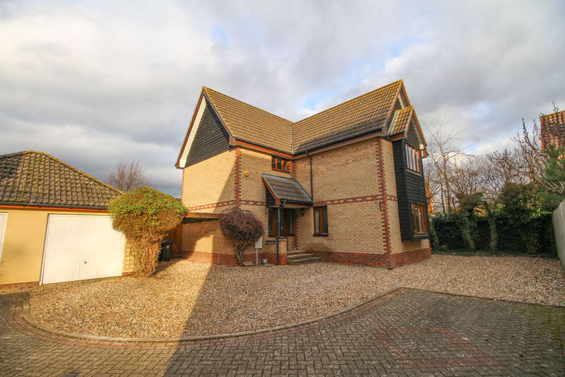 4 Bedrooms Detached House for sale in Grove Gardens, Fordham