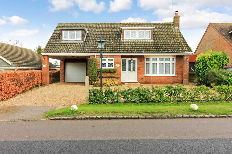 4 Bedrooms Detached Bungalow for sale in Pebblemoor, Edlesborough