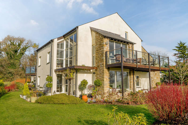2 Bedrooms Flat for sale in 6 The Meadows, Kirkby Lonsdale