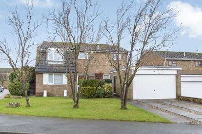4 Bedrooms Detached House for sale in Manor Garth, Kirklevington, Yarm, Stockton On Tees