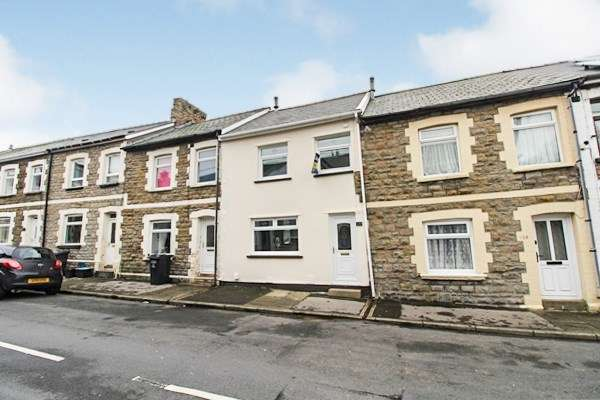 3 Bedrooms Town House for sale in Alma Street, Abertillery, NP13