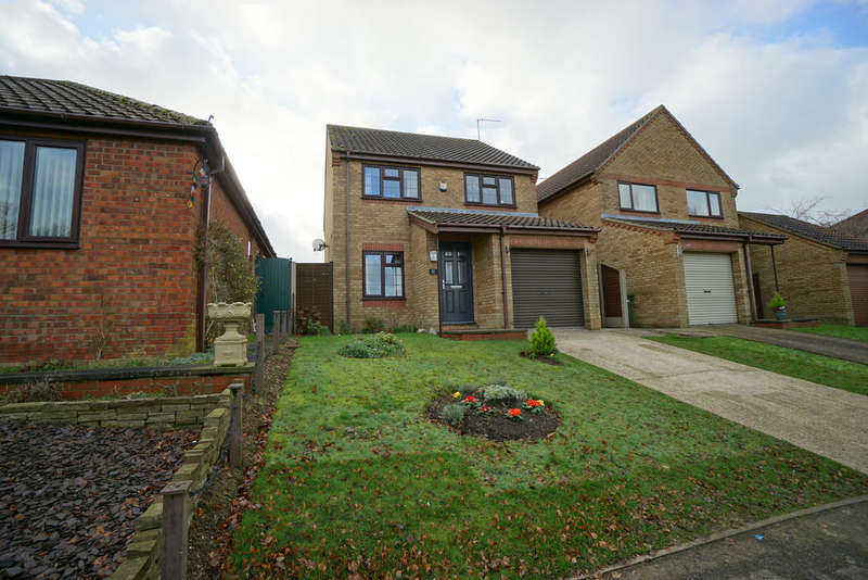 3 Bedrooms Detached House for sale in Bluebell Way, Worlingham, Beccles