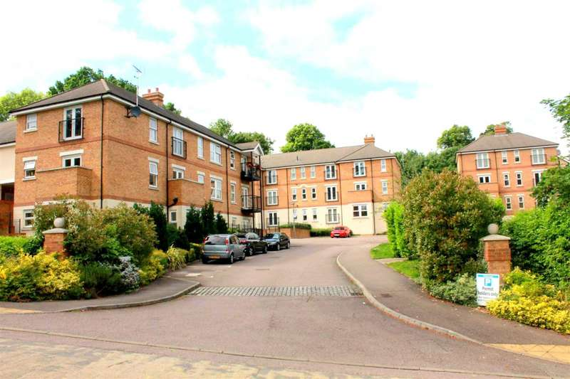 2 Bedrooms Apartment Flat for sale in WELL PRESENTED 2 DOUBLE bed GROUND FLOOR apartment with BALCONY in BOXMOOR.