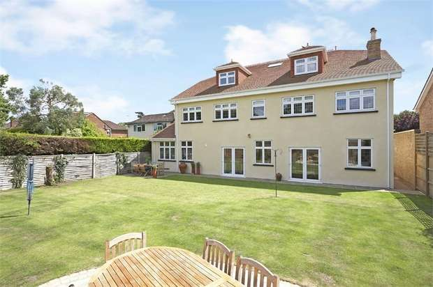 6 Bedrooms Detached House for sale in Clarence Road, Hersham, WALTON-ON-THAMES, Surrey