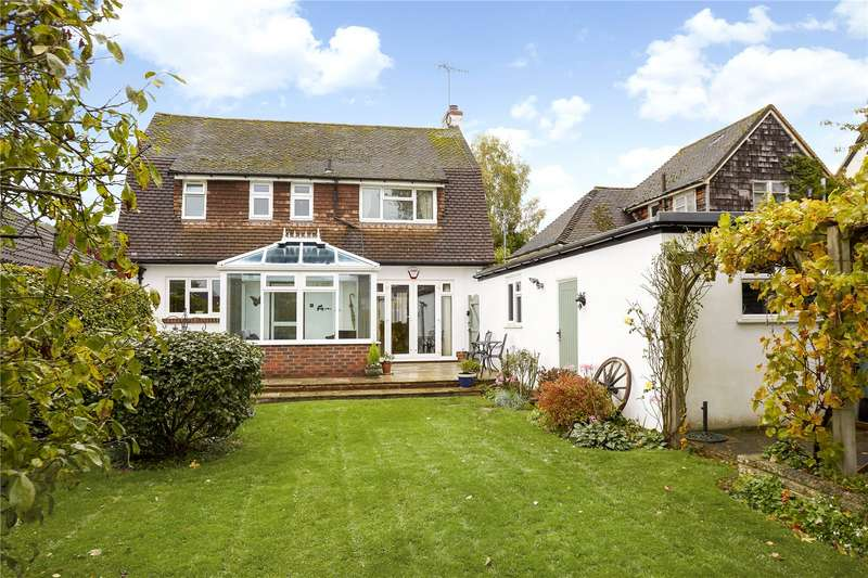 3 Bedrooms Detached House for sale in Links View Avenue, Brockham, Betchworth, Surrey, RH3