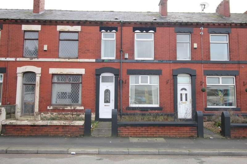 2 Bedrooms Terraced House for sale in Shaw Road, Oldham, Greater Manchester, OL2