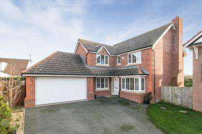 4 Bedrooms Detached House for sale in Lon Pedr, Llandudno, Conwy, North Wales, LL30