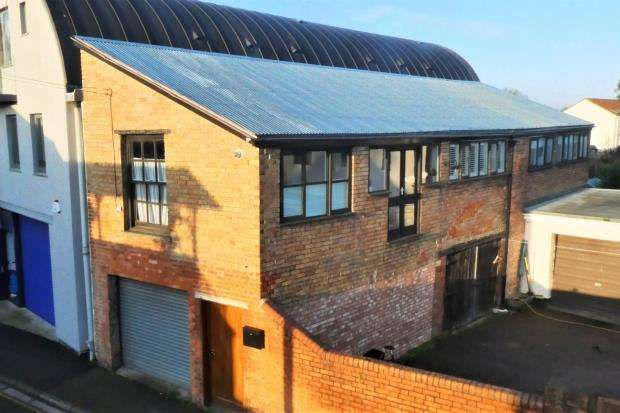 1 Bedroom Semi Detached House for sale in Wood Street, Taunton, Somerset