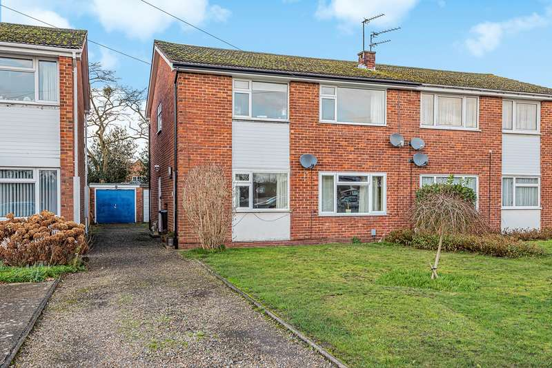 2 Bedrooms Maisonette Flat for sale in Fleetwood Close, Chalfont St Giles, HP8