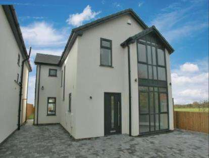 4 Bedrooms Detached House for sale in Riverside Walk, Neston, Cheshire, CH64
