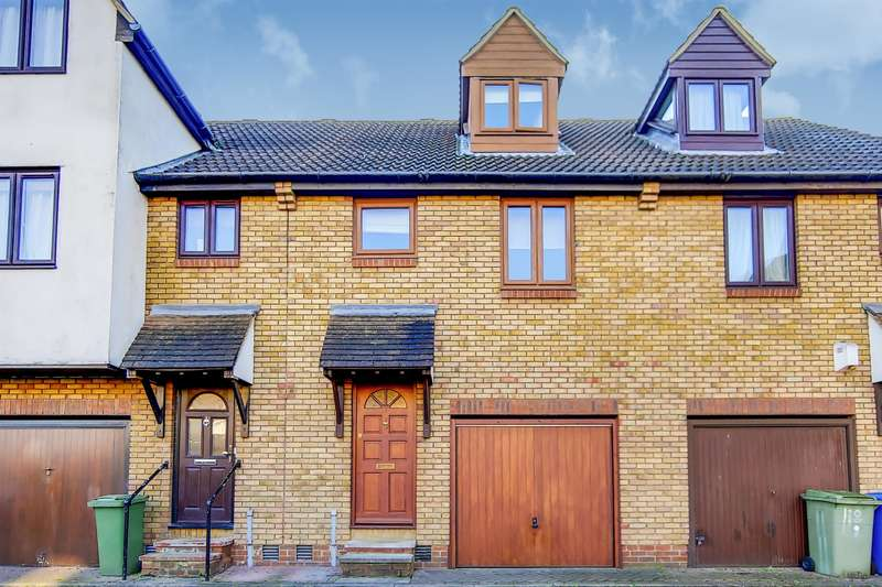 3 Bedrooms Terraced House for sale in Steers Way, Rotherhithe , London, SE16 6HP