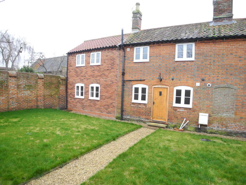 2 Bedrooms Cottage House for sale in Chaucer Street, Bungay