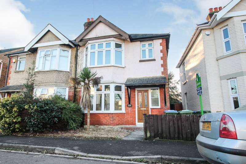 3 Bedrooms Semi Detached House for sale in St. James Park Road, Southampton, SO16