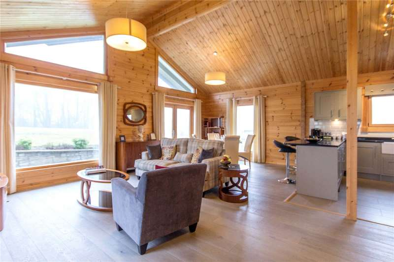 3 Bedrooms Detached House for sale in Crowhurst Park, Telham Lane