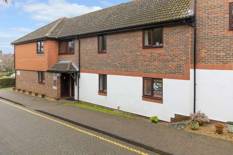 2 Bedrooms Apartment Flat for sale in Magdalen Court, Ersham Road, Canterbury, CT1