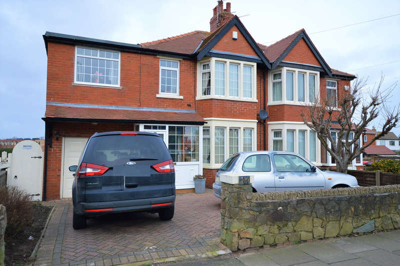 3 Bedrooms Semi Detached House for sale in Highfield Road, South Shore FY4