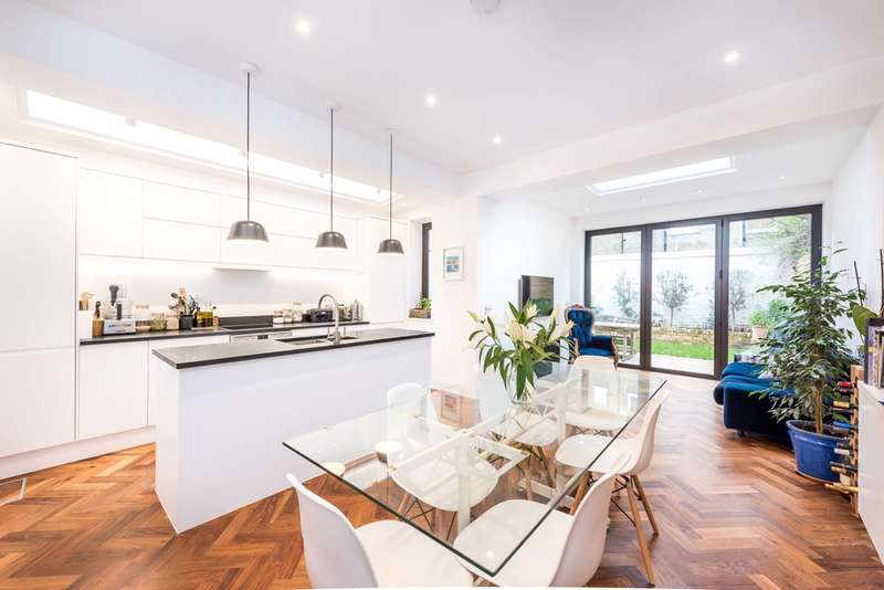 1 Bedroom Flat for sale in Fentiman Road, Vauxhall, SW8