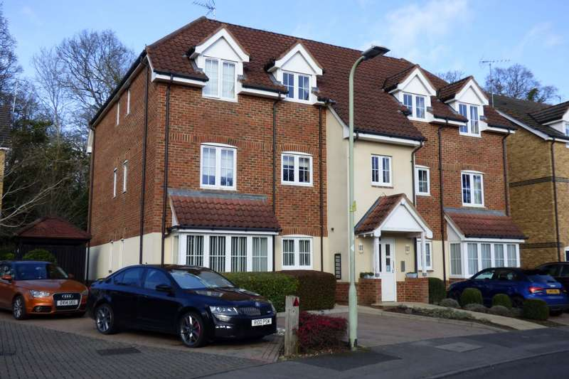 2 Bedrooms Apartment Flat for sale in Badgers Rise, Woodley