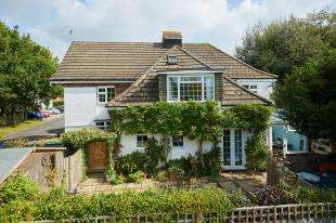 4 Bedrooms Detached House for sale in Church Road, Kilndown, Cranbrook, Kent
