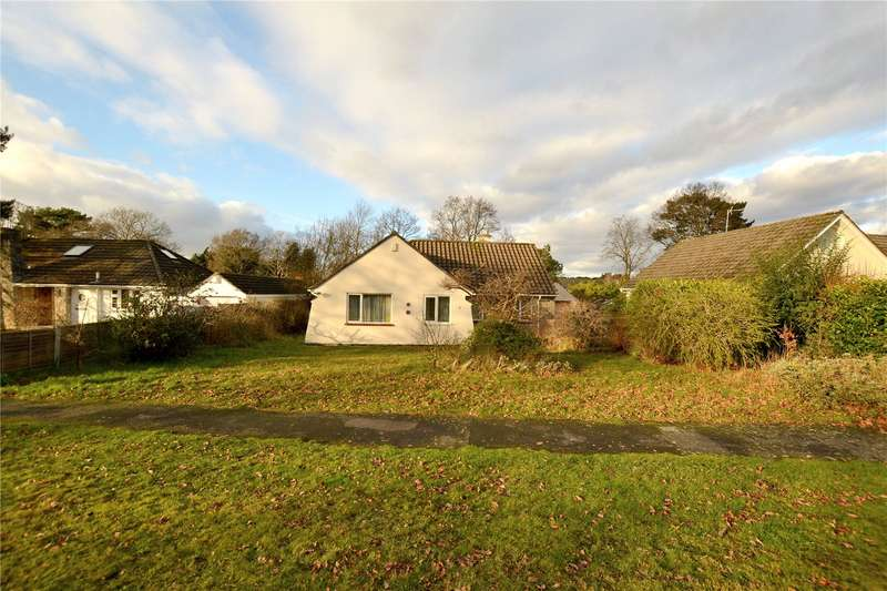 3 Bedrooms Detached House for sale in Lions Wood, St Leonards, Ringwood, Hants, BH24