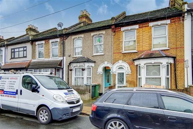 3 Bedrooms Terraced House for sale in Dongola Road, London