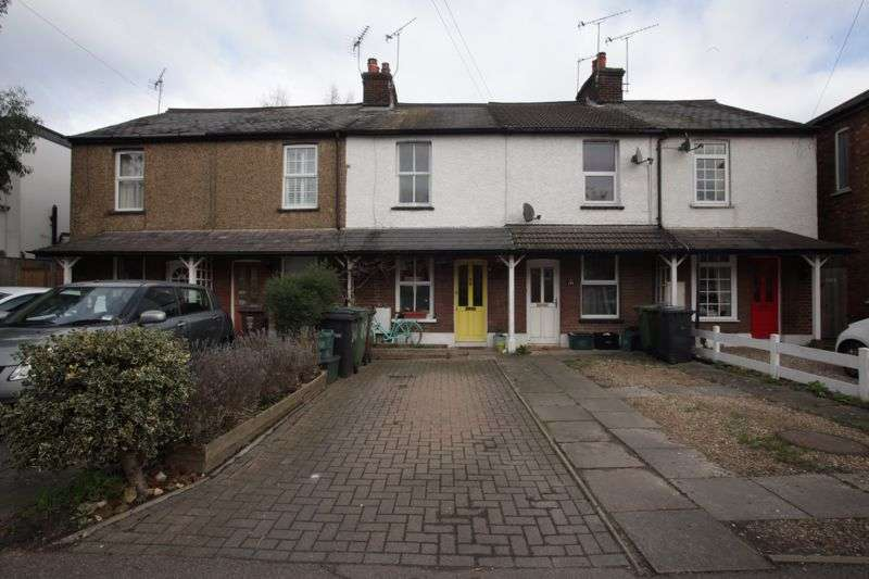 2 Bedrooms Property for sale in Camp Road, St. Albans
