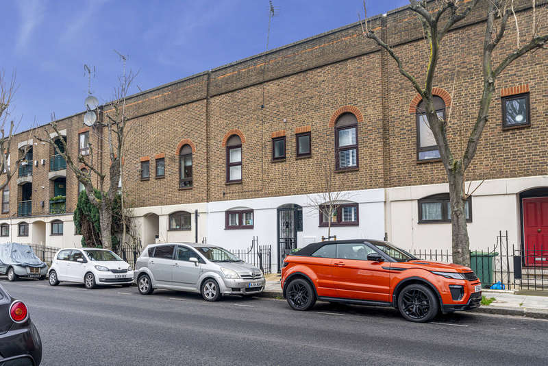 3 Bedrooms Terraced House for sale in Castle Road, NW1 8PP