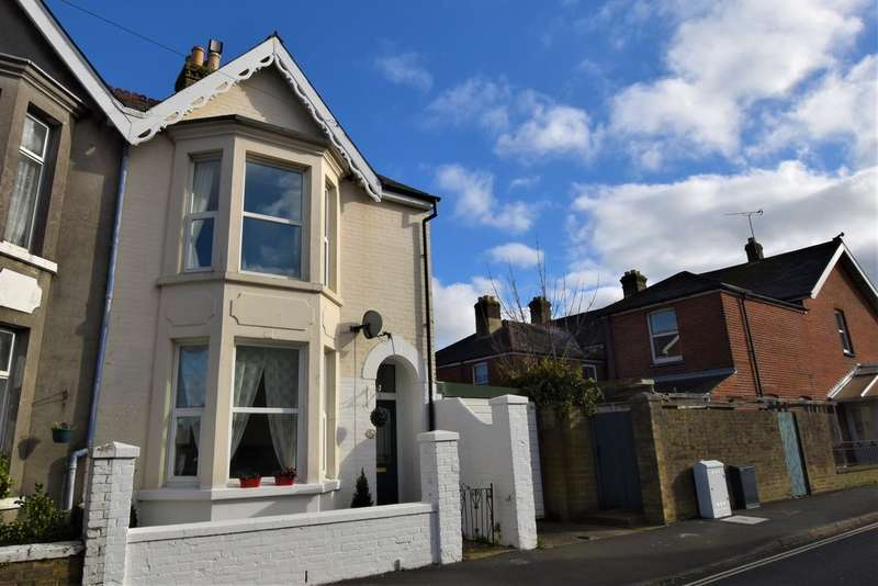 3 Bedrooms End Of Terrace House for sale in Gordon Road, Cowes
