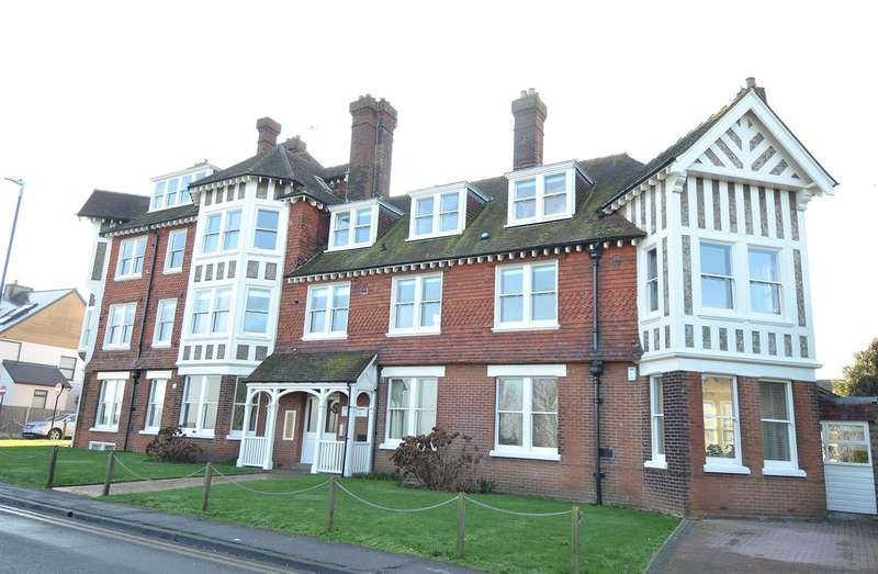 2 Bedrooms Ground Flat for sale in Tower Hill, Tankerton, Whitstable