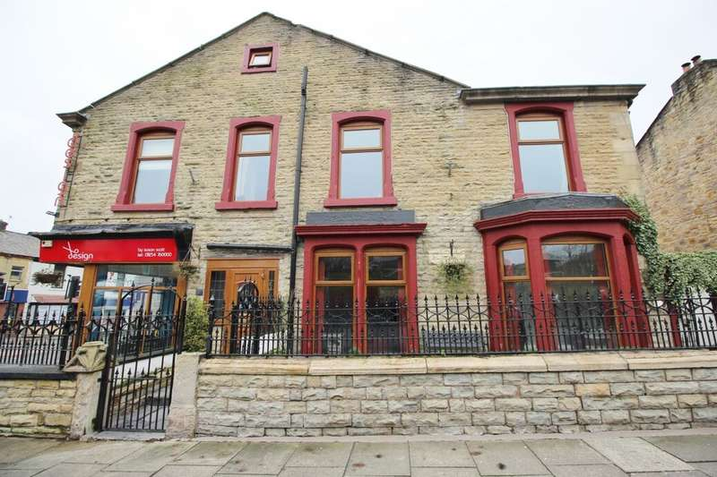 3 Bedrooms Property for sale in Falcon Avenue, Darwen, BB3