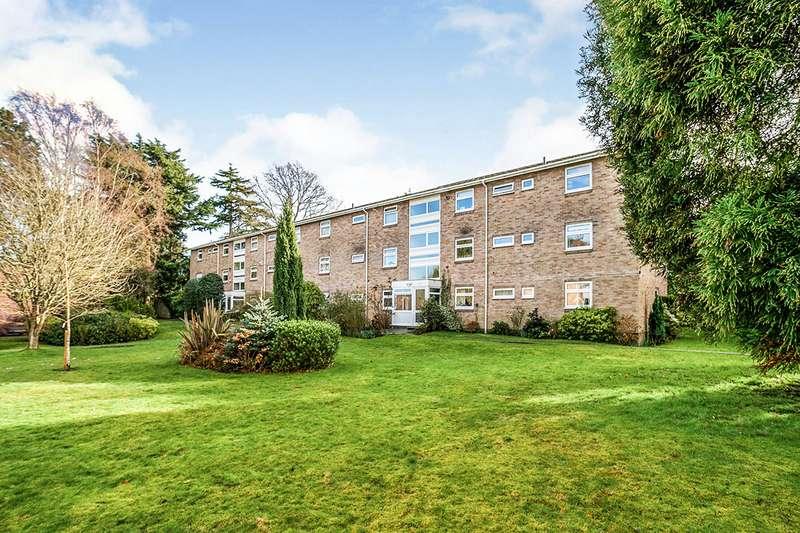 2 Bedrooms Apartment Flat for sale in Shrublands Court, Sandrock Road, Tunbridge Wells, Kent, TN2