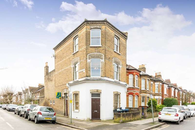 3 Bedrooms Maisonette Flat for sale in Quicks Road, Wimbledon, SW19