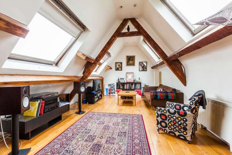3 Bedrooms Flat for sale in Bethnal Green Road, Bethnal Green, E2