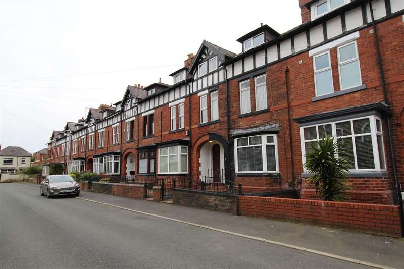 4 Bedrooms Terraced House for sale in Ashland Avenue, Swinley, Wigan