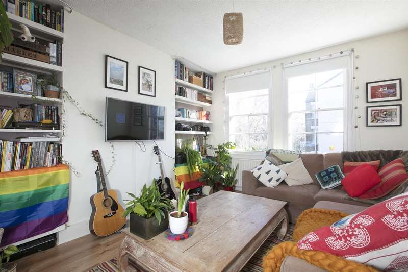 1 Bedroom Flat for sale in Lomond Grove, Camberwell, SE5