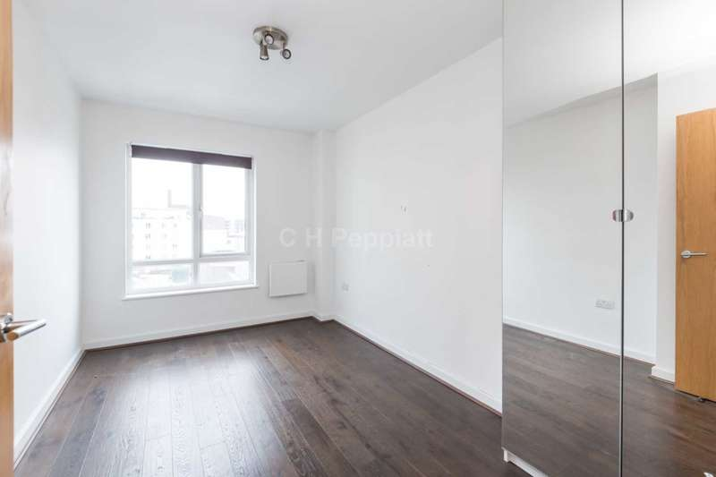 2 Bedrooms Apartment Flat for sale in Bantam House, Heritage Avenue, NW9