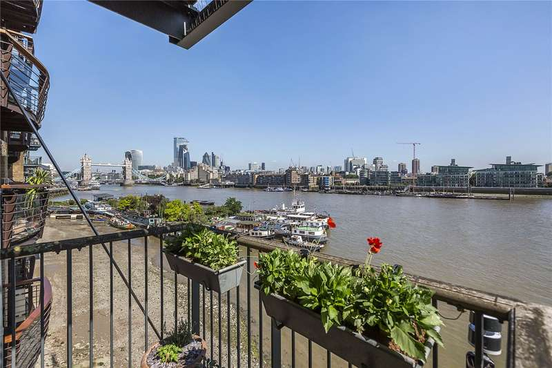 2 Bedrooms Flat for sale in Tempus Wharf, 29 Bermondsey Wall West, London, SE16