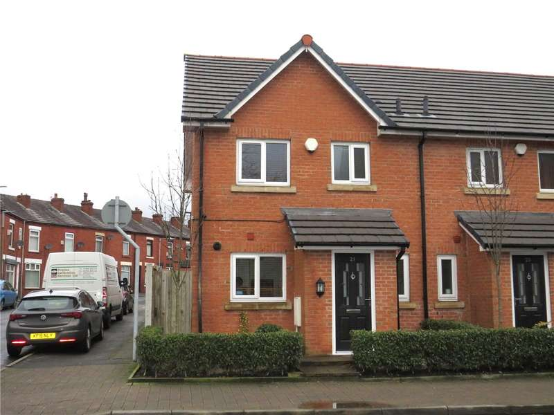 3 Bedrooms End Of Terrace House for sale in Thicketford Road, Bolton, Greater Manchester, BL2
