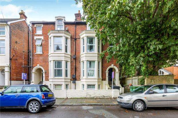 4 Bedrooms Apartment Flat for sale in Elphinstone Road, Southsea, Hampshire