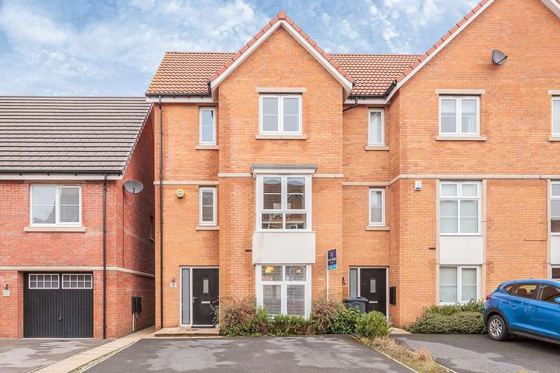 3 Bedrooms House for sale in Spinners Avenue, Scholes, Cleckheaton, West Yorkshire, BD19