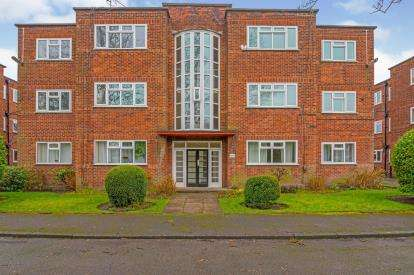 3 Bedrooms Flat for sale in Ballbrook Court, Wilmslow Road, Didsbury, Manchester