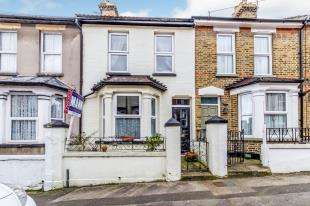 3 Bedrooms Terraced House for sale in Clive Road, Rochester, Kent, England