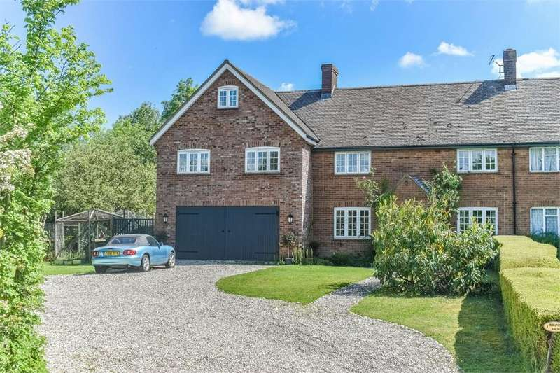 6 Bedrooms Semi Detached House for sale in Brands View, Ongar Road