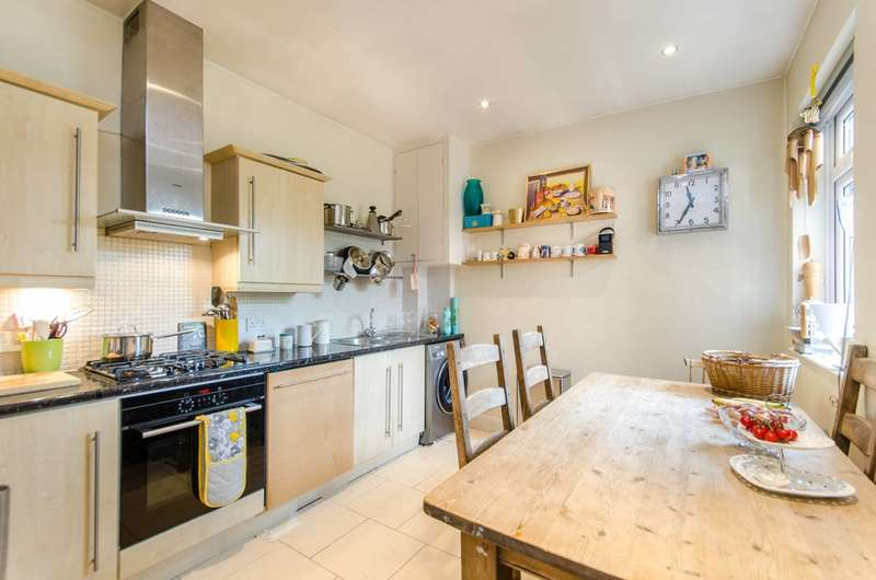 4 Bedrooms Flat for sale in The Avenue, Queen's Park, NW6