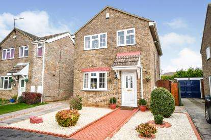 3 Bedrooms Detached House for sale in Winniffe Gardens, Lincoln, Lincolnshire