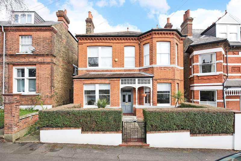 5 Bedrooms Detached House for sale in Holmdene Avenue, Herne Hill
